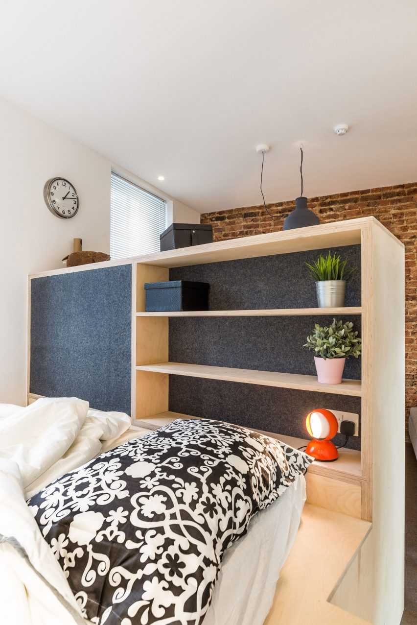 Micro flat in Islington by Diego Dalpra