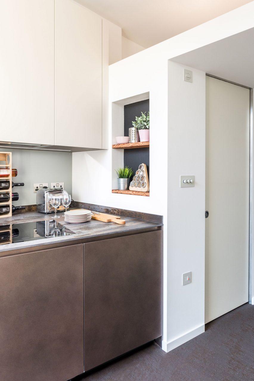 Micro flat in Islington by Diego Dalpra