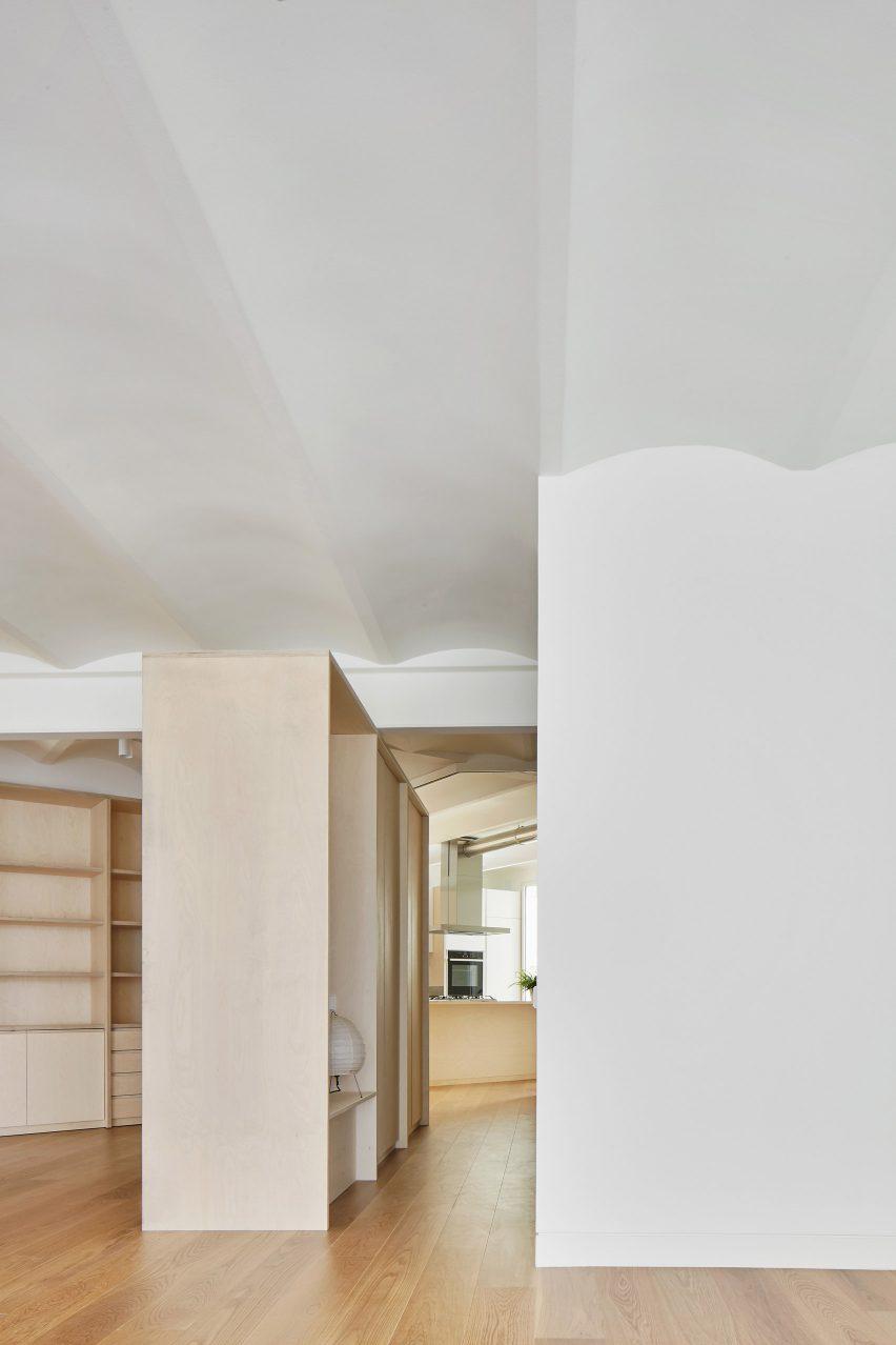 mitre-apartment-bajet-girame-architects-interior-apartment-residential_lr_dezeen_1704_col_6
