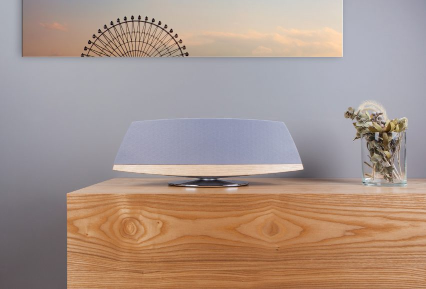 moshi-spatia-wireless-speaker-competition_dezeen_2364_col_2