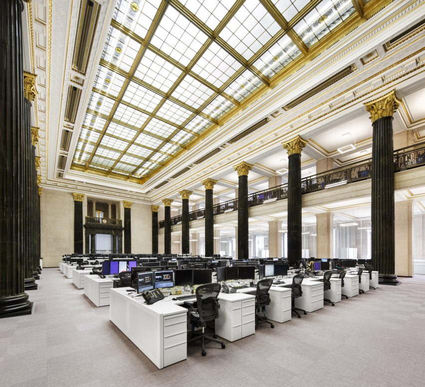 National Bank of Canada trading floor by Architecture49
