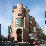 James Stirling's postmodern No 1 Poultry granted listed status