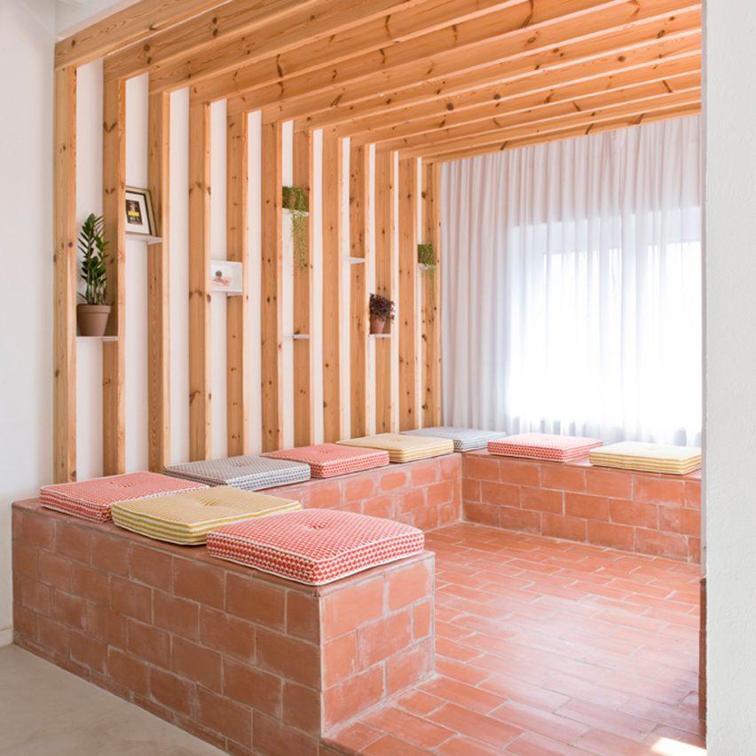 rocha-apartment-casa-alcoves-pinterest-dezeen-col2
