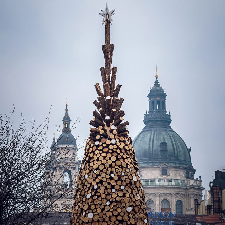 six-best-christmas-tree-roundup-_dezeen_1704_col_0
