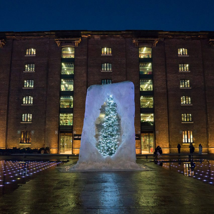 six-best-christmas-tree-roundup-_dezeen_1704_col_1