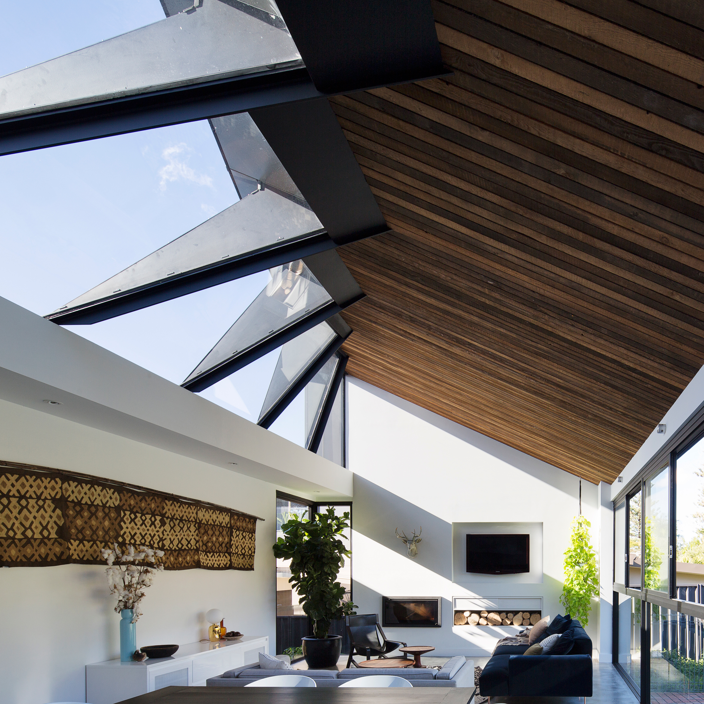 Merveilleux Concertina Rooflight Illuminates Sydney House Extension By Nick Bell Design