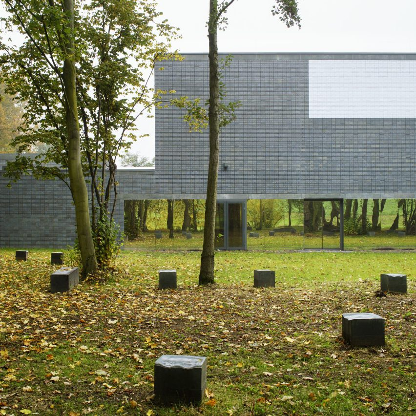 sportscentre-koen-van-velsen-architects-rotterdam-architecture-public_dezeen_sq