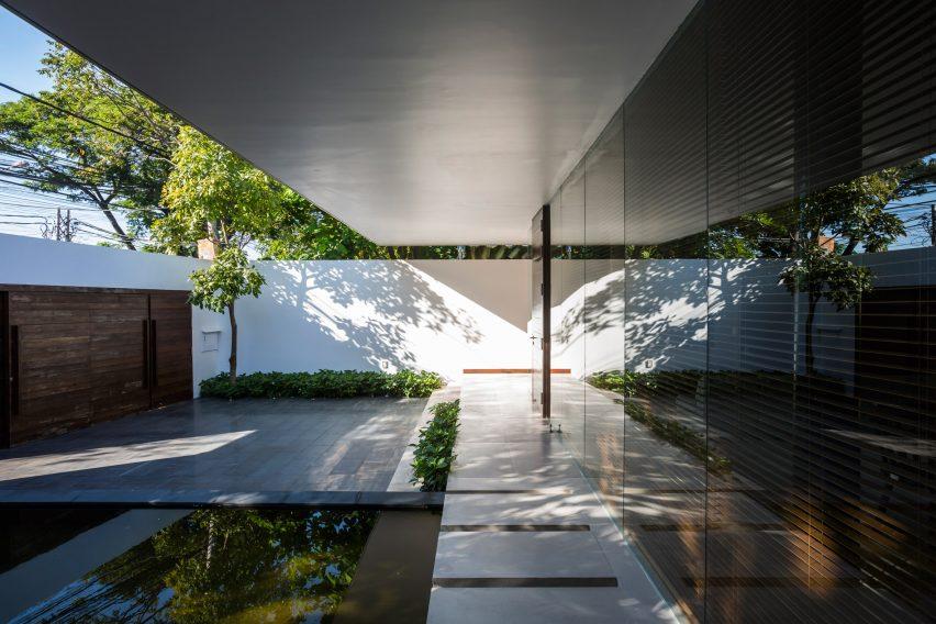 the-drawers-house-vietnam-mia-design-studio-architecture_dezeen_2364_col_0
