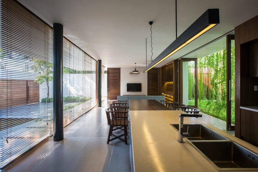 the-drawers-house-vietnam-mia-design-studio-architecture_dezeen_2364_col_7