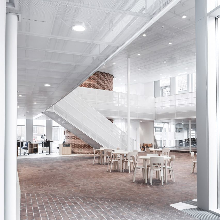 tonder-townhall-extension-renovation-sleth-architecture-infrastructure-denmark_dezeen_2364_col_5