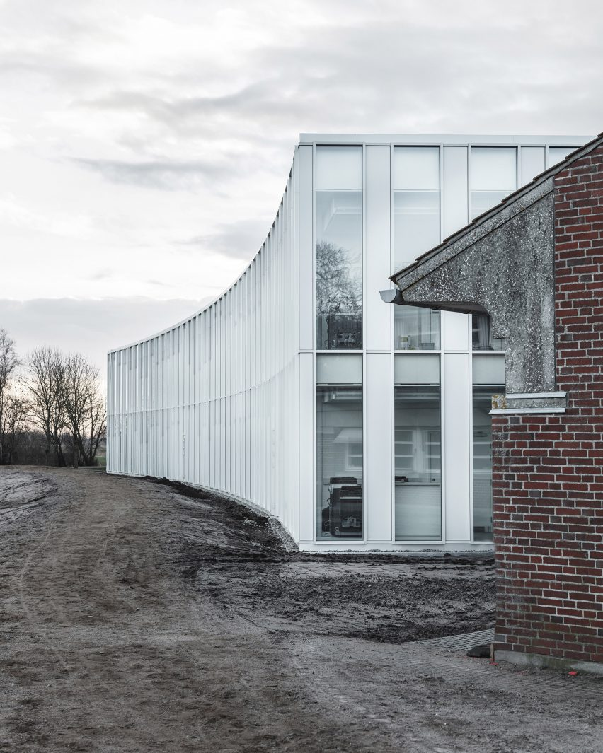 tonder-townhall-extension-renovation-sleth-architecture-infrastructure-denmark_dezeen_2364_col_9