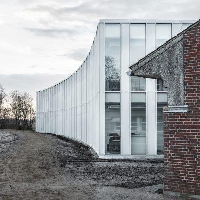 tonder-townhall-extension-renovation-sleth-architecture-infrastructure-denmark_dezeen_sqb