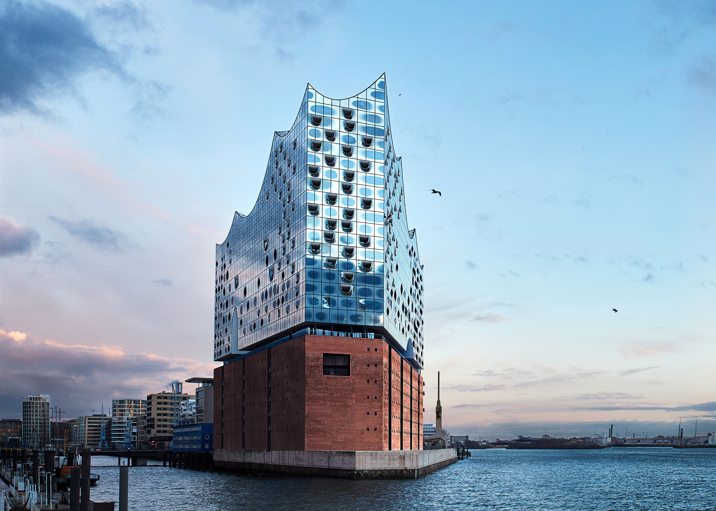 Drones offer fly-through preview of Herzog de Meuron's Elbphilharmonie Hamburg