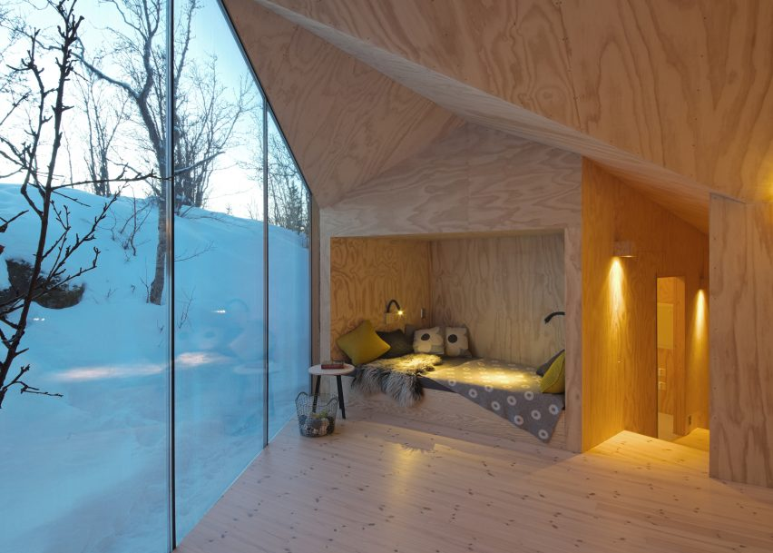 V Lodge by Reiulf Ramstad