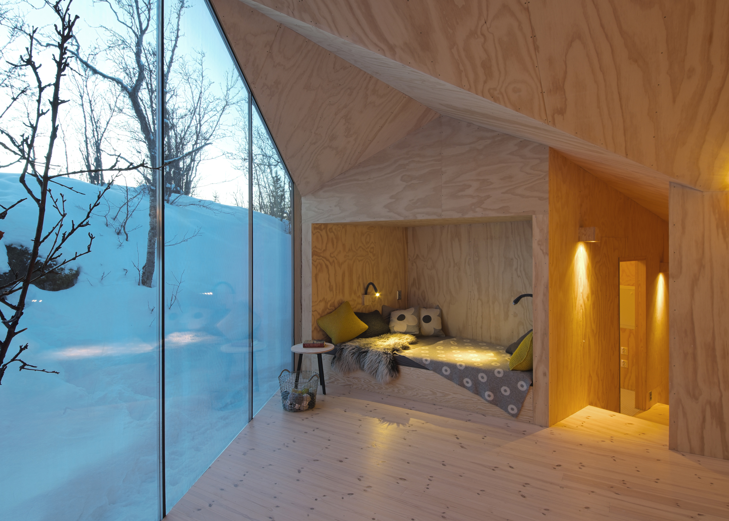 V Lodge by Reiulf Ramstad