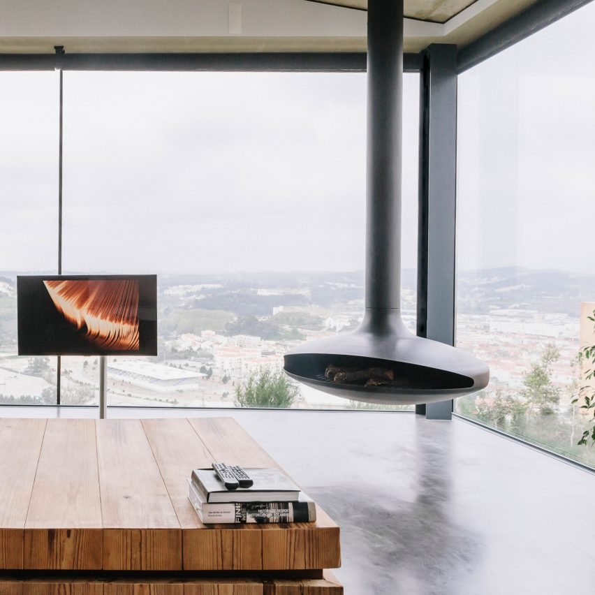 varatojo-house-atelier-data-fireplace-dezeen-pinterest-col