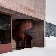 vierschach_pedevilla-architects_dezeen_sq