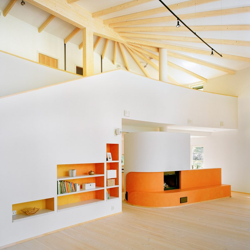 villa-musu-sanaksenaho-architects-fireplace-dezeen-pinterest-col