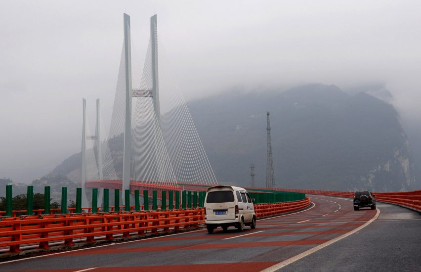 worlds-highest-beipanjiang-bridge-opens-china-dezeen-1