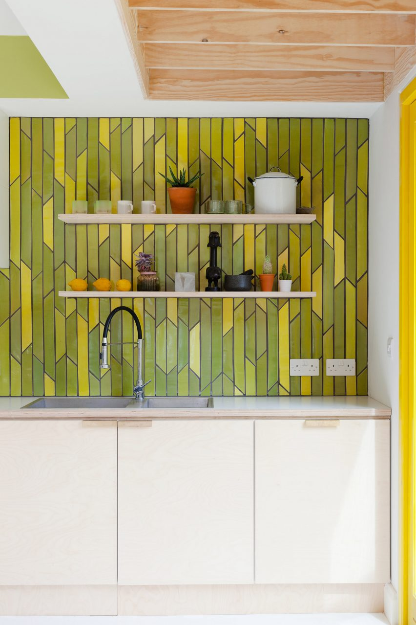 yellow-house-nimtim-architects-interior-london-extensions_dezeen_2364_col_1