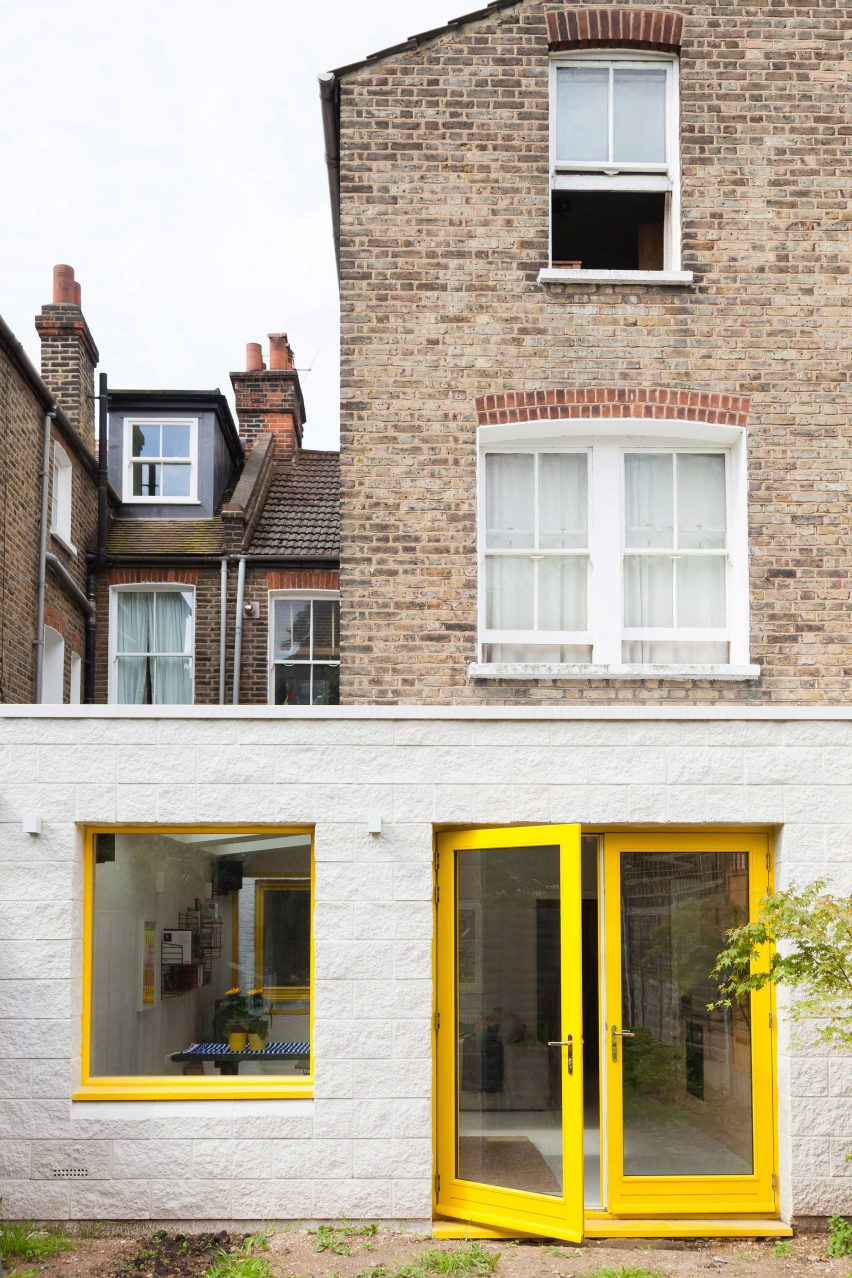 yellow-house-nimtim-architects-interior-london-extensions_dezeen_2364_col_17