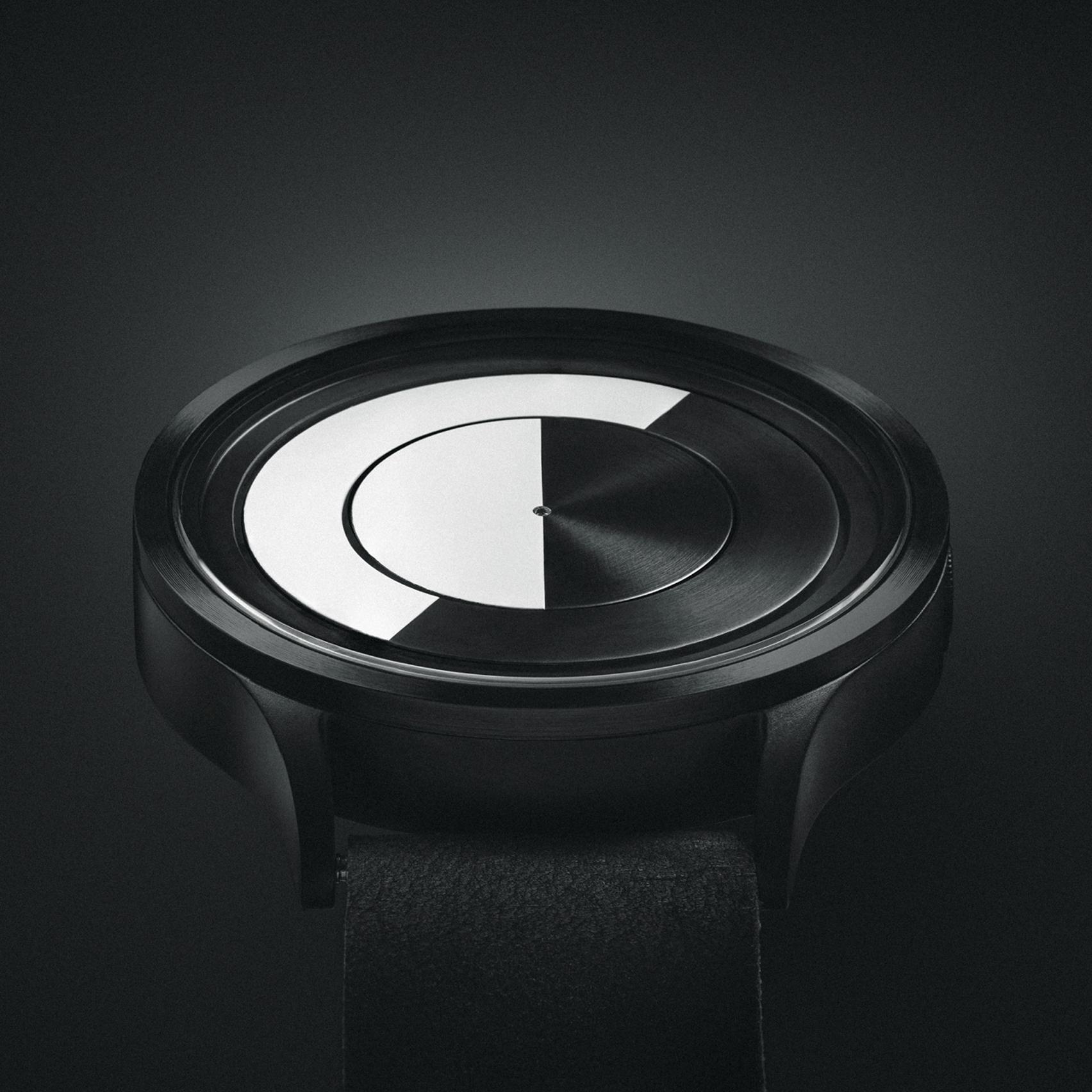 ziiiro-lunar-black-gold-blue-dezeen-watch-store_dezeen_sq