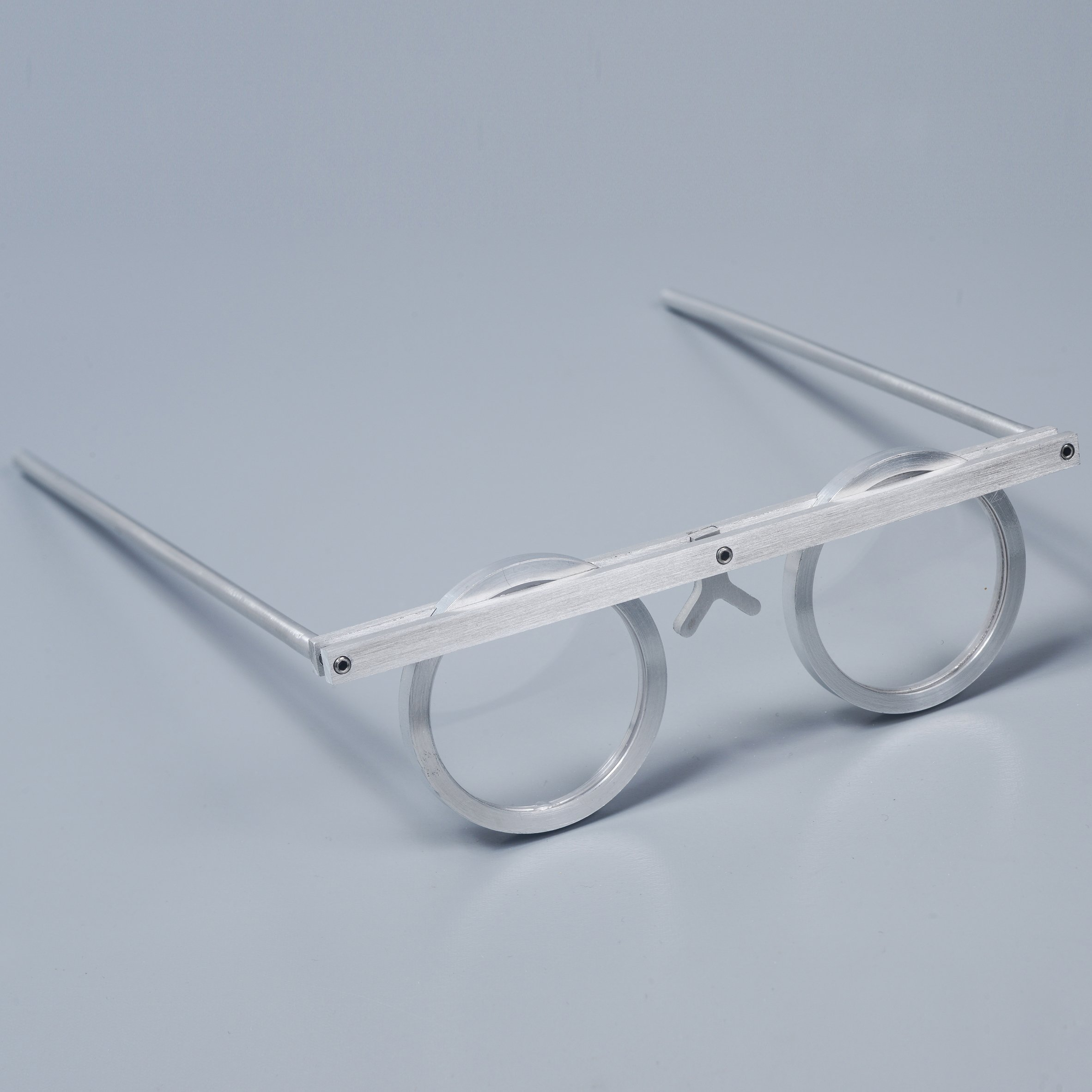 asaf-weinbroom-design-overview-eyewear-exhibition-design-museum-holon_dezeen_sq