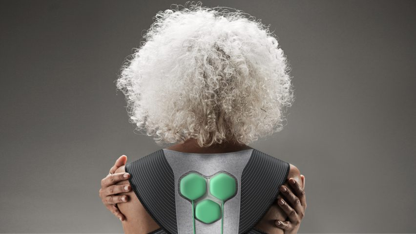aura-power-suit-yves-behar-fuseproject-super-ex-design-museum-new-old-dezeen-col-2364