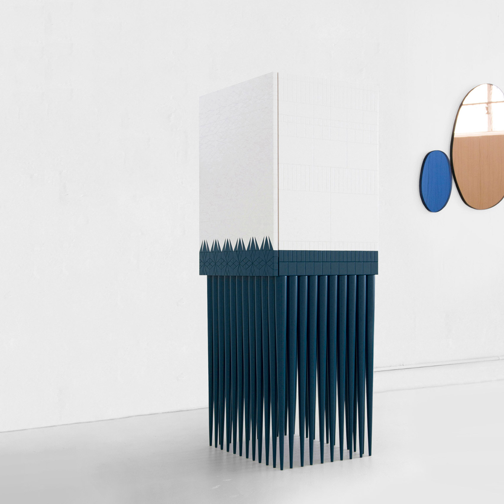 Designer Leonardo Di Caprio unveils jagged drinks cabinet
