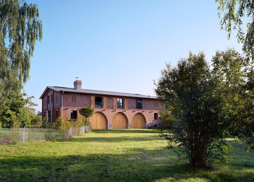 Barn, Fergitz, by Thomas Kröger Architekten