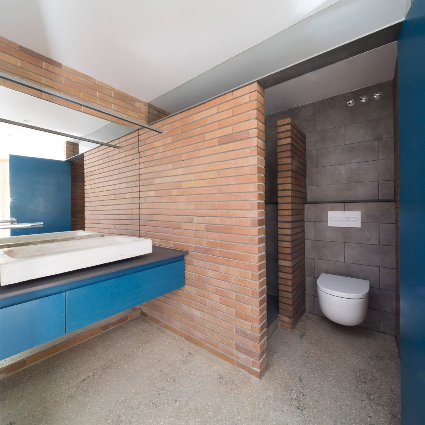 bed-and-blue-nook-architects-interiors-residential-barcelona-spain-spanish-houses-phase-one_dezeen_2364_col_13extra