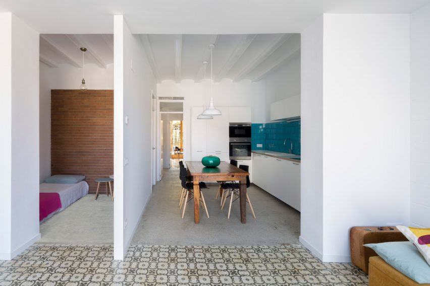 bed-and-blue-nook-architects-interiors-residential-barcelona-spain-spanish-houses-phase-one_dezeen_2364_col_2extra