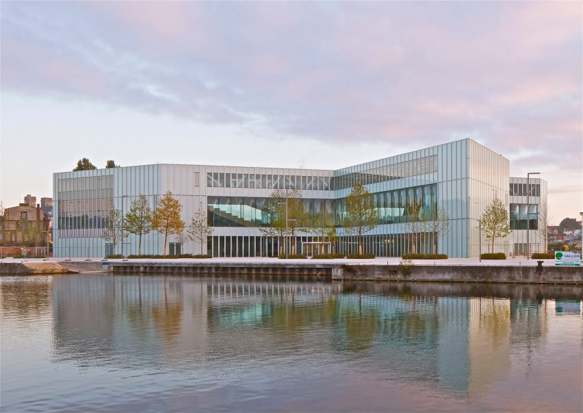 Bibliothèque Alexis de Tocqueville by OMA and Barcode