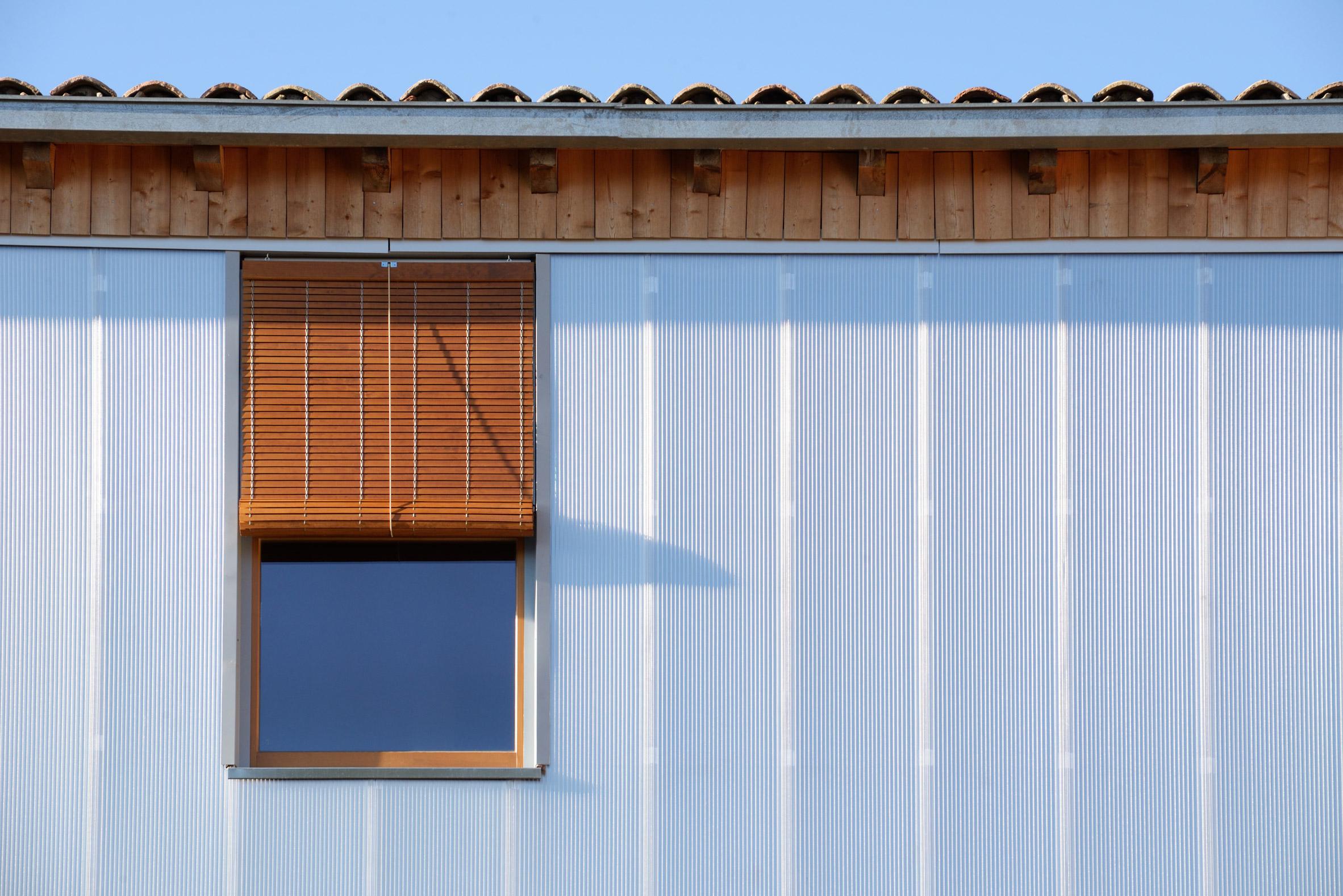 Bunyesc arquitectes updates old spanish house with new - Josep bunyesc ...
