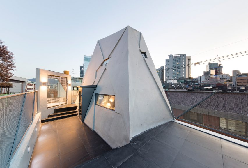 dogok-maximum-moon-hoon-architecture-residential-houses-seoul_dezeen_2364_col_23