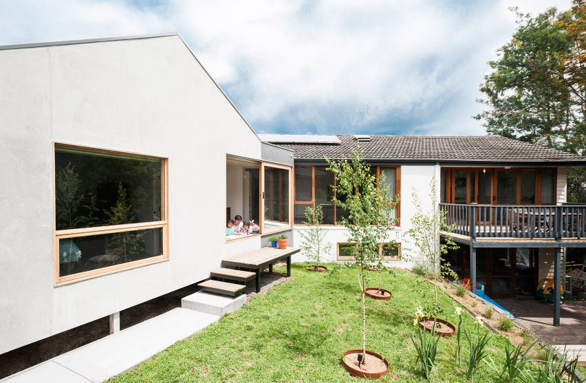 Doncaster House by Inbetween Architecture