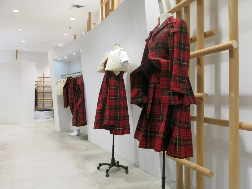 dover-street-market-ny-overhaul-showrooms-interiors-fashion_dezeen_2364_col_12