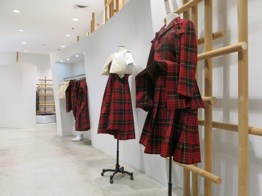 dover-street-market-ny-overhaul-showrooms-interiors-fashion_dezeen_2364_col_12