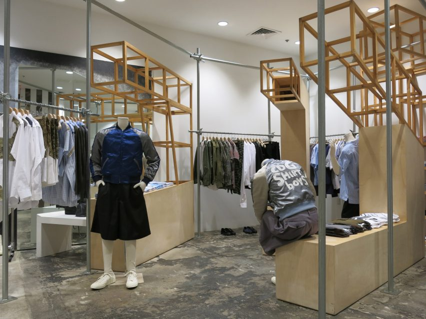 dover-street-market-ny-overhaul-showrooms-interiors-fashion_dezeen_2364_col_6