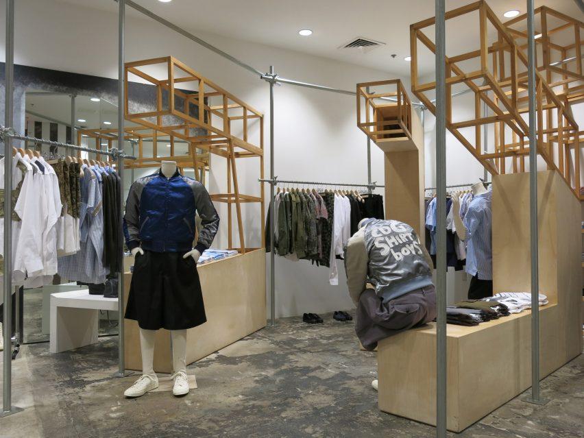 dover-street-market-ny-overhaul-showrooms-interiors-fashion_dezeen_2364_col_6
