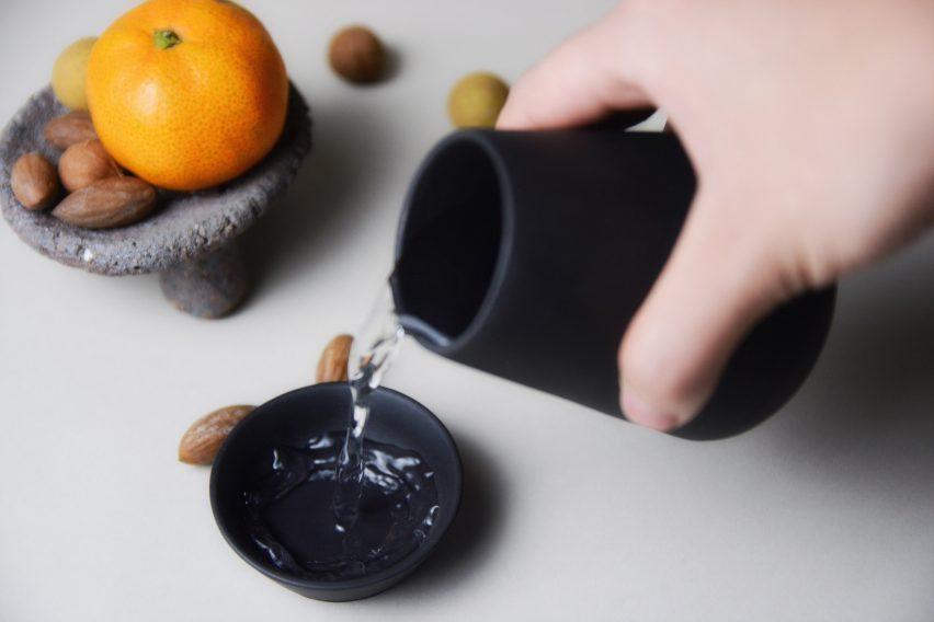 hei-chang-liu-design-teapot-homeware-applicances-kitchen_dezeen_2364_col_4