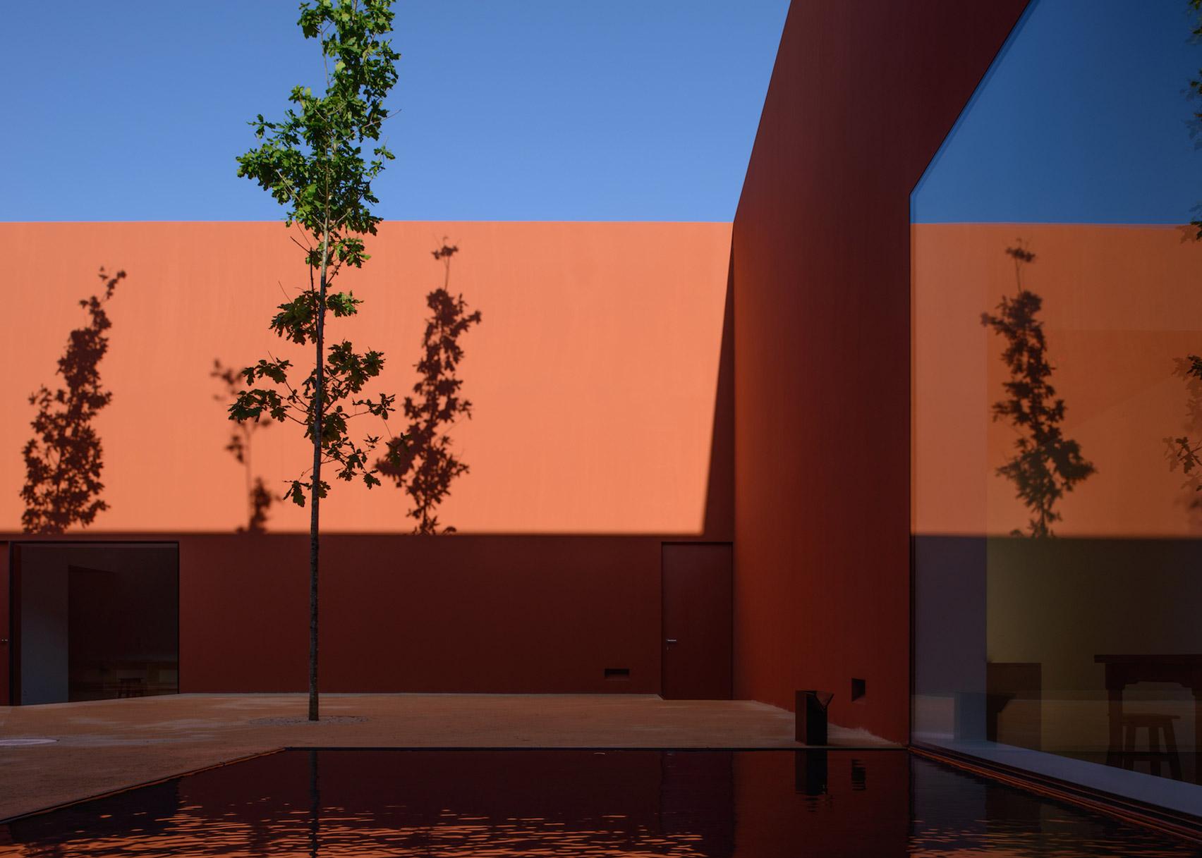 House in Oeiras, Oeiras, by Pedro Domingos Arquitectos