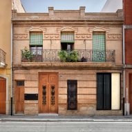 DG Arquitecto Valencia reconfigures traditional Spanish townhouse