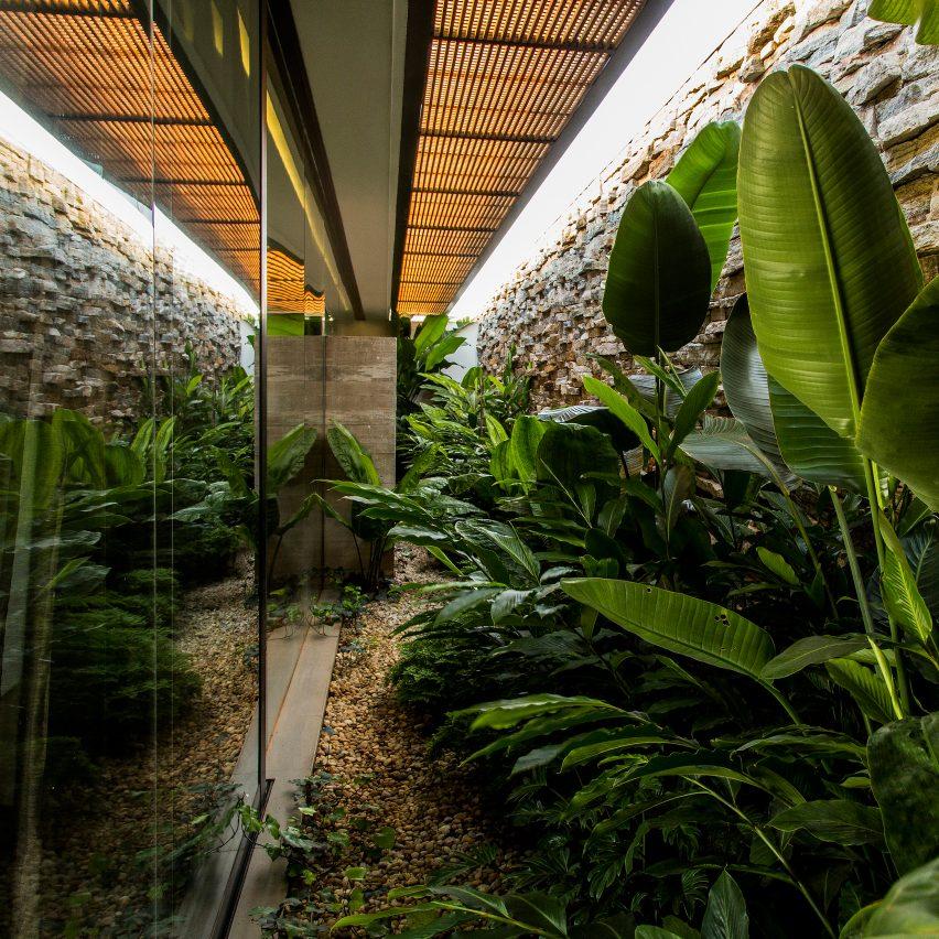 house-mcny-mfmais-arquitetos-residential-architecture-brazil_dezeen_sqb