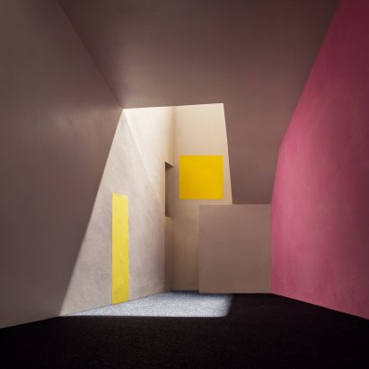 james-casebere-exhibition-sean-kelly-gallery-los-angeles-usa_dezeen_2364_sqb