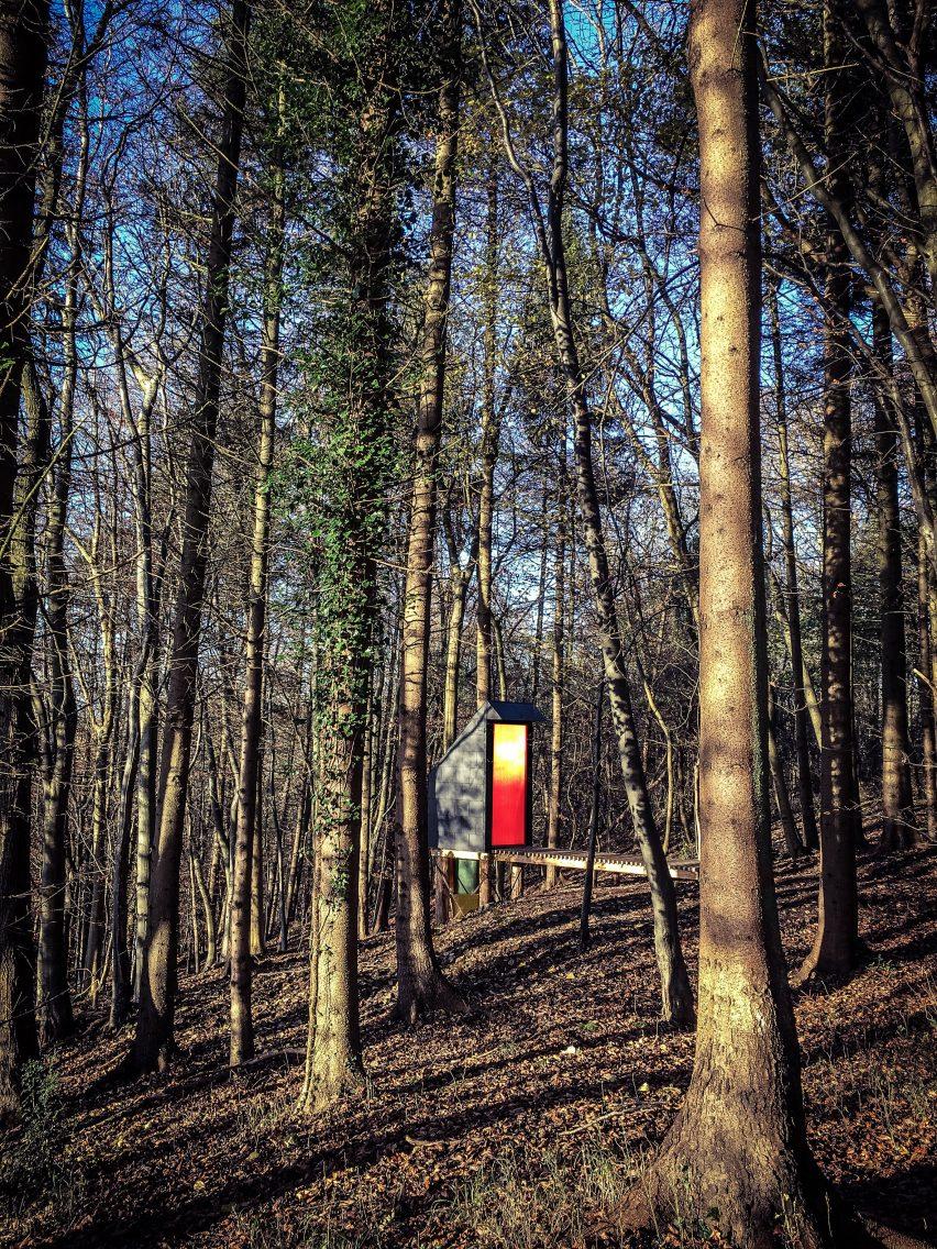 long-drop-invisible-studio-architects-composting-toilet-architecture_dezeen_2364_col_6