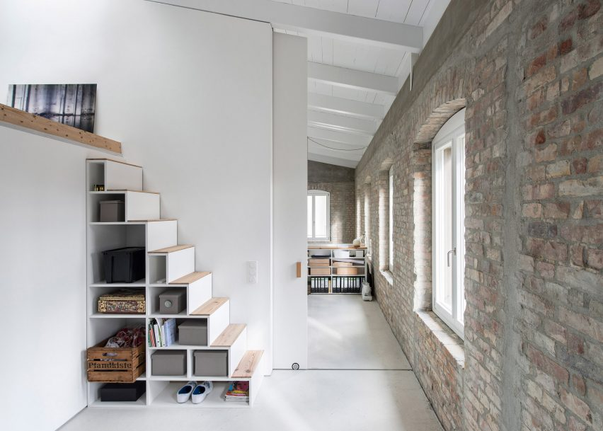 10 home interiors featuring partition walls from Dezeen\'s Pinterest ...