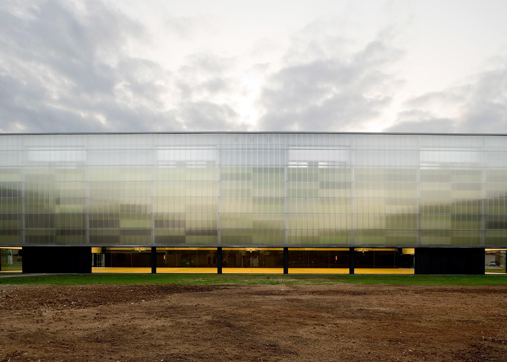 Municipal Sports Hall by BCQ