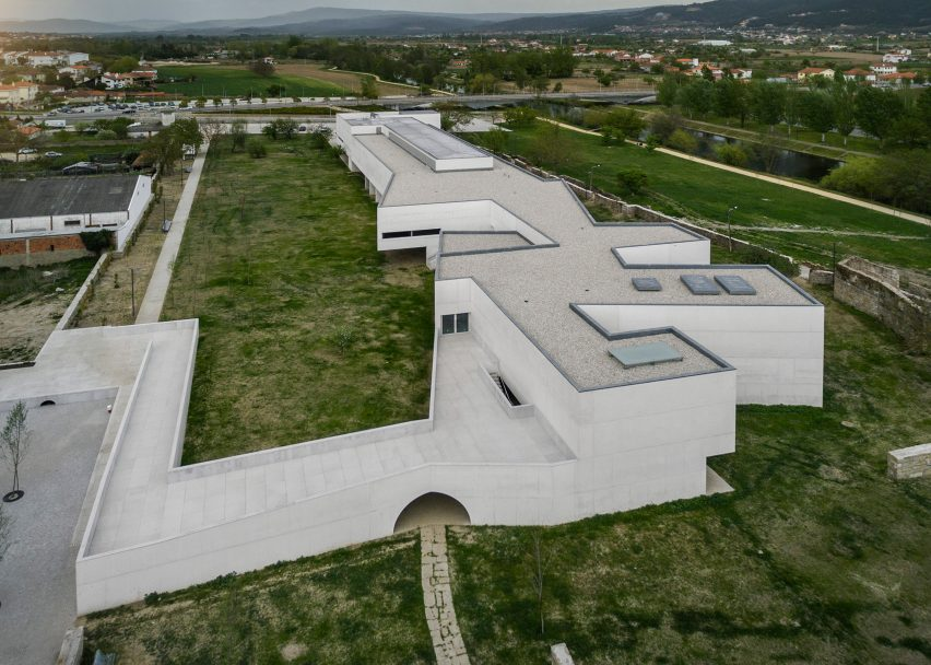 Nadir Afonso Museum for Contemporary Art, Chaves, by Studios Álvaro Siza 2 – Arquitecto,