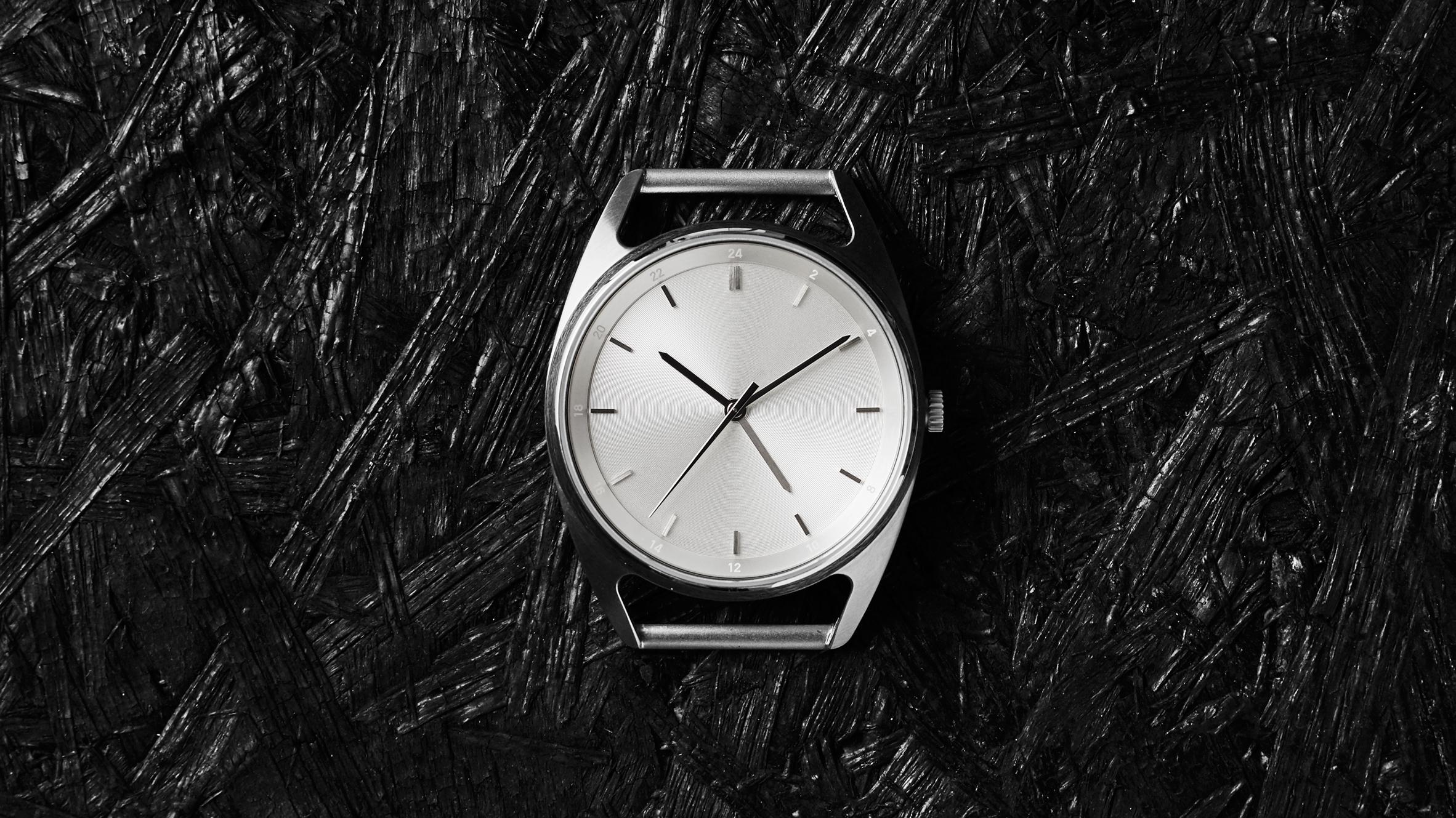 Seconds GMT by Nocs Atelier